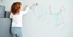 Cómo-sacar-manchas-de-plumón-en-tus-paredes